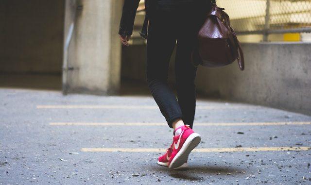 les bienfaits de la marche à pied detox on
